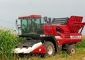 SELF-PROPELLED EAR CORN HARVESTER MS-6