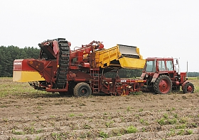SEMITRAILED POTATO HARVESTERS «PALESSE PT25» AND «PALESSE PT23»